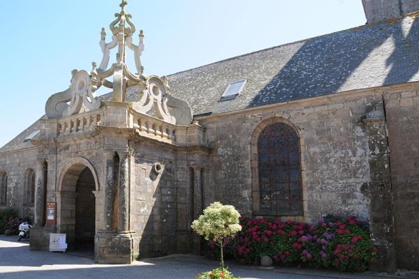 Baldaquin de l'église Saint Cornély à Carnac