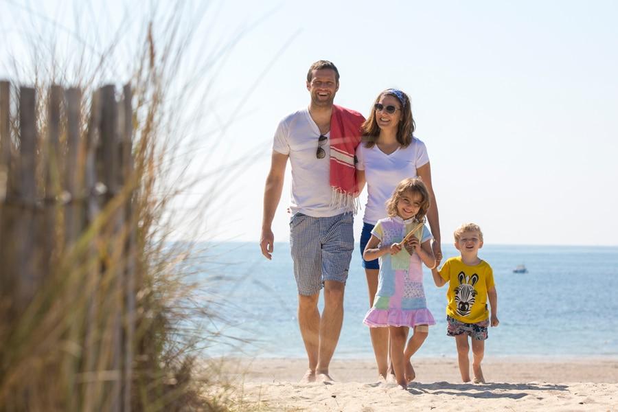 Famille à la plage de Carnac