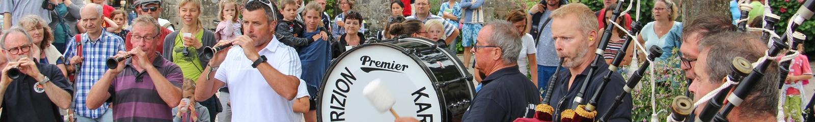 Fest-noz à Carnac avec musique et danse bretonnes