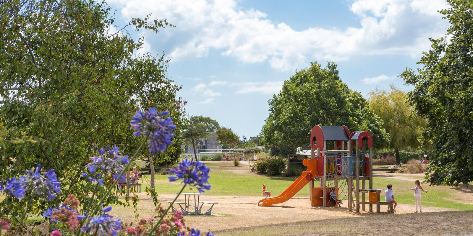 Le parc Césarine, aire de jeux pour enfants à Carnac