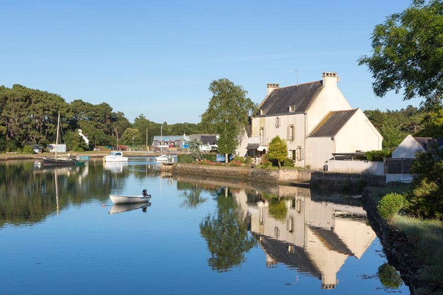 Le paysage de l'étang du moulin du lac à Carnac