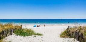 Sortie au bord de la mer en famille sur la Grande plage de Carnac