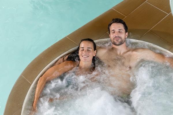 Couple au spa marin à la Thalasso Thalazur Carnac