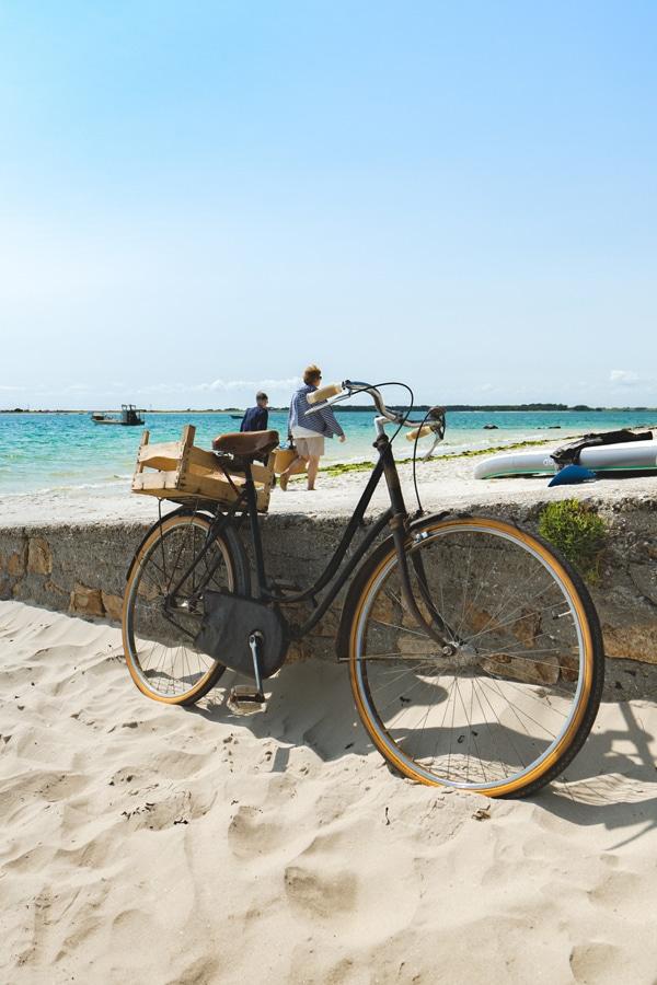 Vélo sur la plage de Carnac