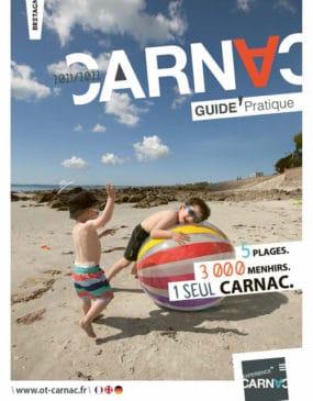 Couverture Guide pratique 2021-2022 Office de tourisme de Carnac